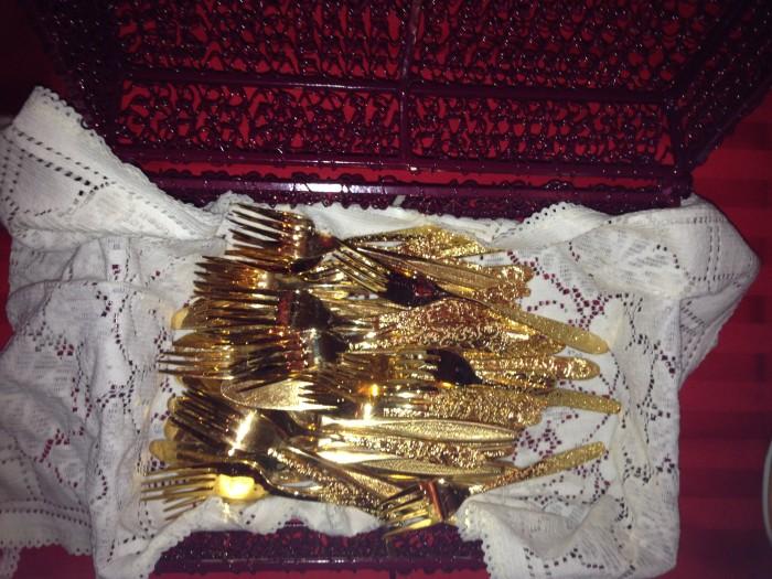 gold plated utensils