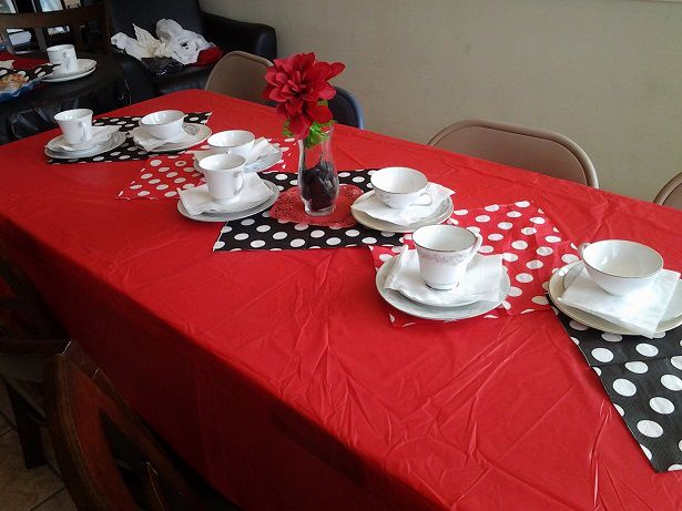 Olivia table setting