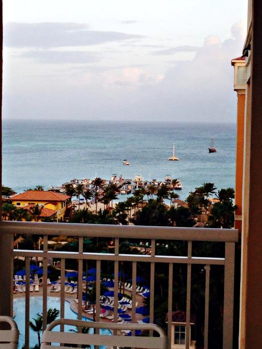 Bookish Traveler Travels to  Marriott's Aruba Surf Club